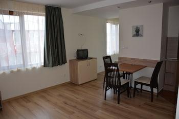 Golden House Apartments