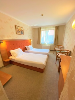 Double or Twin Room (Free Fitness and Sauna )