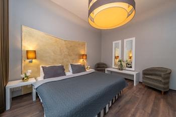 Deluxe Apartment (One Bedroom)