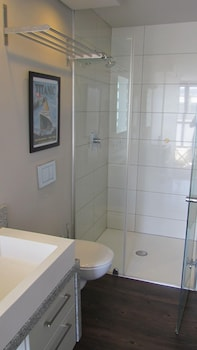 African Fiesta Holiday Apartment Rentals - Bathroom  - #0