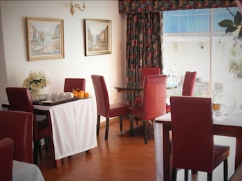 The Lighthouse Guesthouse - Breakfast Area  - #0