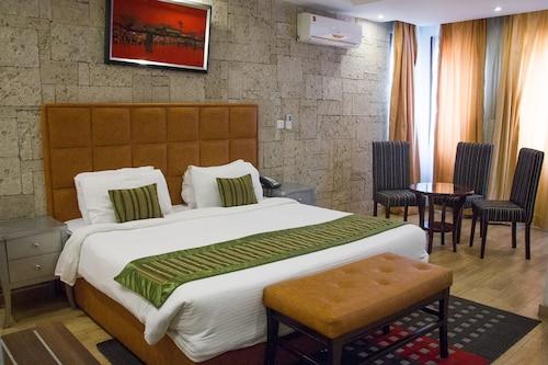 Sun Heaven Hotel & Resort Lekki, Eti-Osa