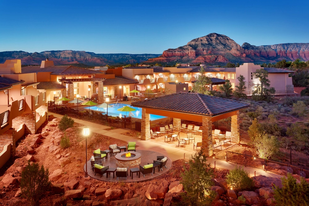 Courtyard By Marriott Sedona Az 4105 West State Route 89a 86336