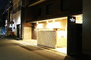 RESI STAY HIGASHIYAMA SANJO Property Entrance