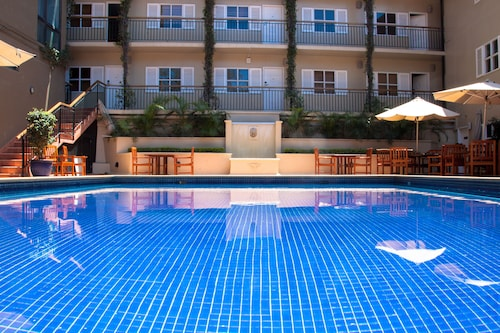. Ela Beach Hotel & Apartments