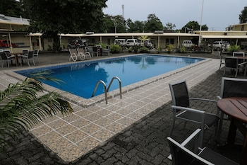 Huon Gulf Hotel & Apartments - Outdoor Pool