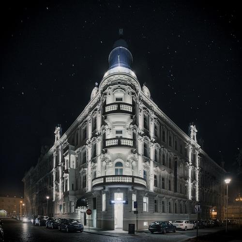 . Theresian Hotel
