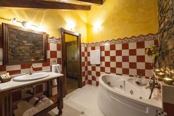 Hotel Spa Casona La Hondonada - Bathroom  - #0