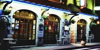 Hôtel Les 2 Vallées - Featured Image  - #0
