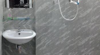 Yen Vy Hotel - Bathroom  - #0