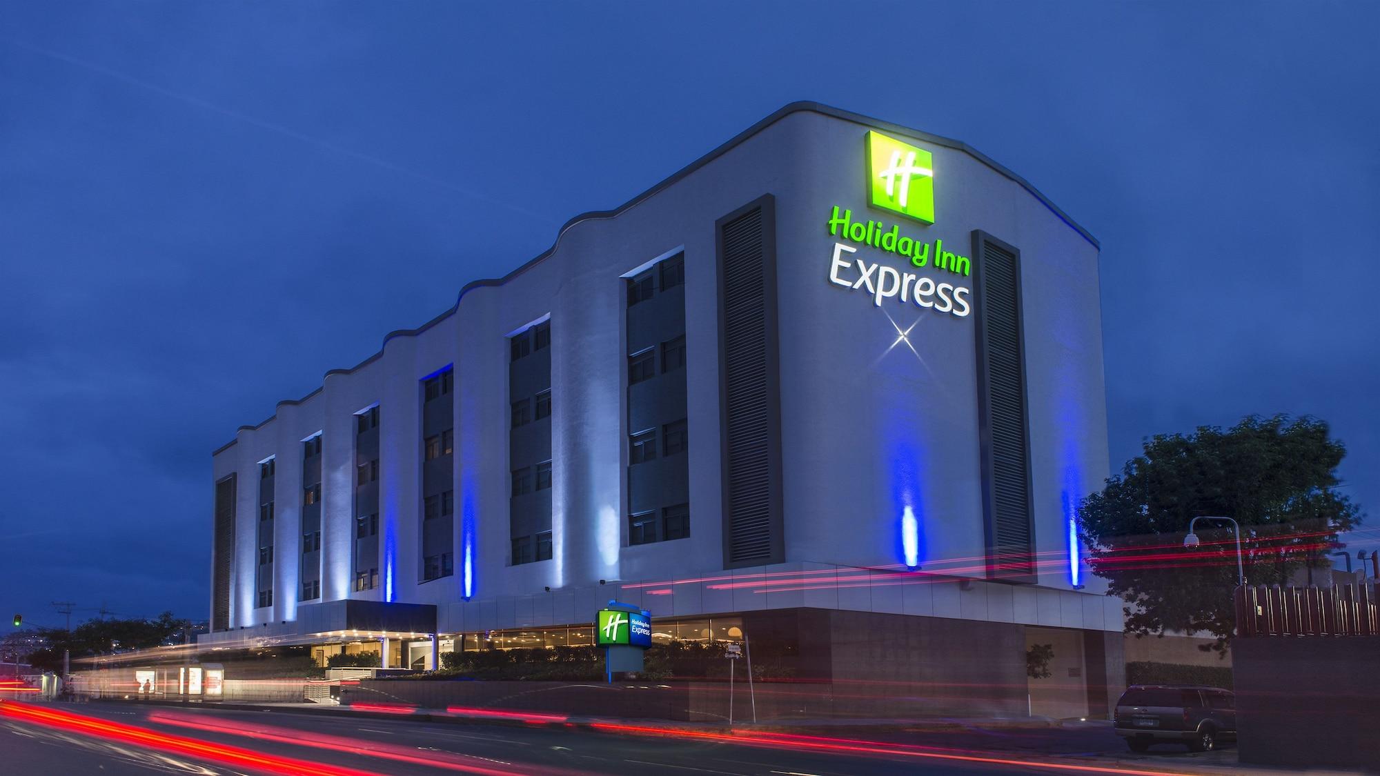 Holiday Inn Express Mexico - Toreo, Naucalpan de Juárez
