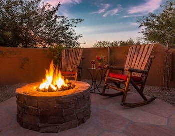 Four Peaks B and B Romantic Getaway