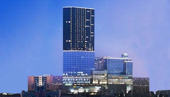 Four Points by Sheraton Surabaya - Hotel Front  - #0
