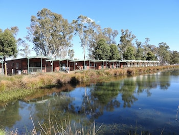 Victoria Lake Holiday Park - Featured Image  - #0