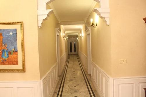 Royal Copenhagen Inn, Lahore