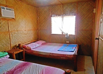 MAR AND EM'S BAMBOO COTTAGES Guestroom