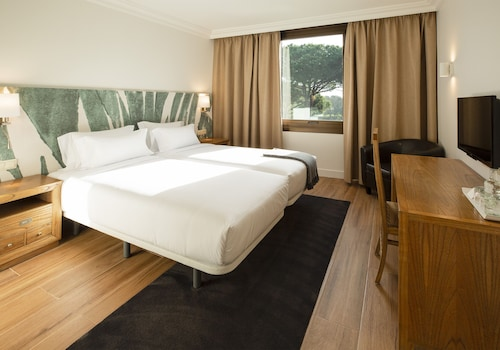 Riudellots de la Selva - Hotel Eden Park - z Poznania, 1 kwietnia 2021, 3 noce