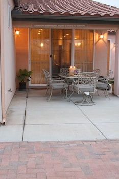 Serenity 4 Br home by RedAwning