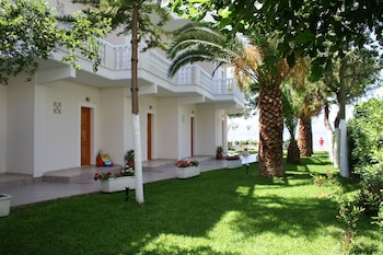 Hotel - Posidonia Pension