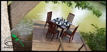 Grand Kalundawa Waterfront Resort - Outdoor Dining  - #0