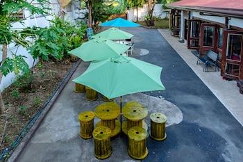 AYO HOMTEL Terrace/Patio