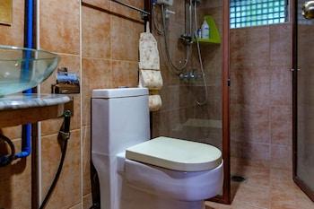 AYO HOMTEL Bathroom
