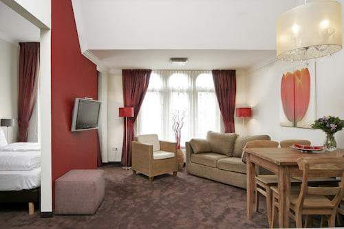 . Nova Apartments