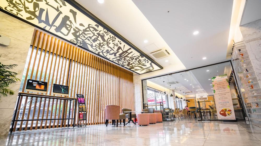 TOV ホテル & レジデンス