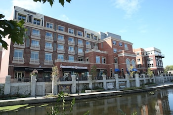 Hotel - Hotel Indigo Naperville Riverwalk