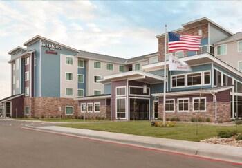 Residence Inn Milwaukee West - Hotel Front  - #0