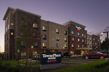 Exterior at TownePlace Suites by Marriott Alexandria Fort Belvoir in Alexandria