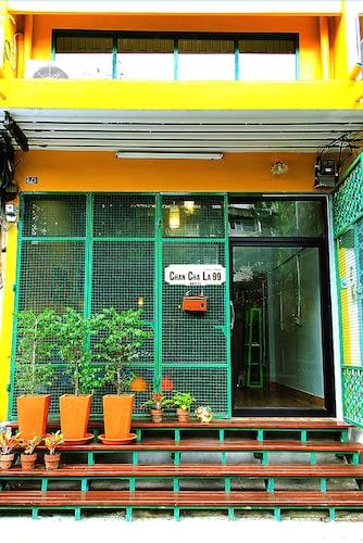 Chan Cha La 99 Hostel, Prakanong