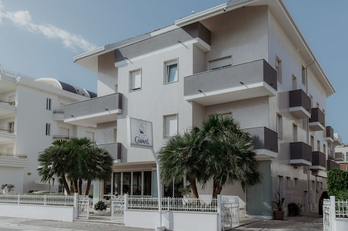 . Hotel Caravel