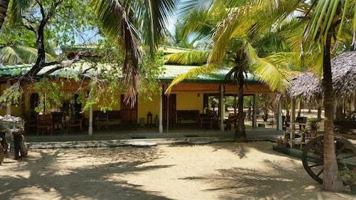 Alankuda Beach Resort, Kalpitiya