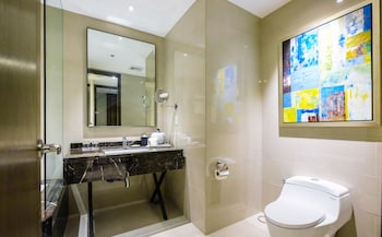 SOMERSET ALABANG MANILA Bathroom