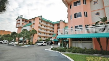Beach 2402 1 Br condo by RedAwning