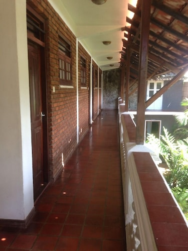 Ivory Inn, Dehiwala-Mount Lavinia