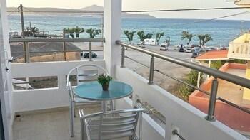 Crown Apartments - Balcony  - #0