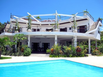 GRANADA BEACH RESORT - ADULTS ONLY Front of Property