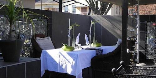 44 On Ennis Guest Lodge and Restaurant, Gert Sibande