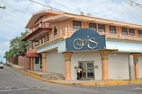 . Hotel Oasis Bluefields