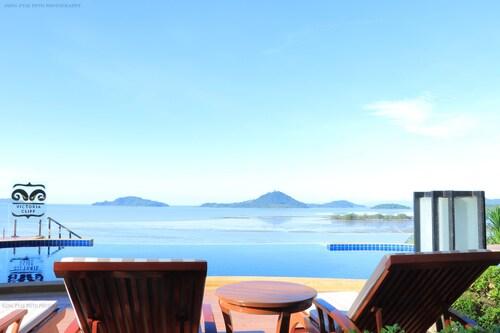 . Victoria Cliff Hotel & Resort