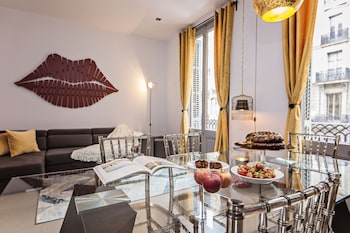 Sweet Inn Apartments Passeig de Gracia - City Centre - In-Room Dining  - #0