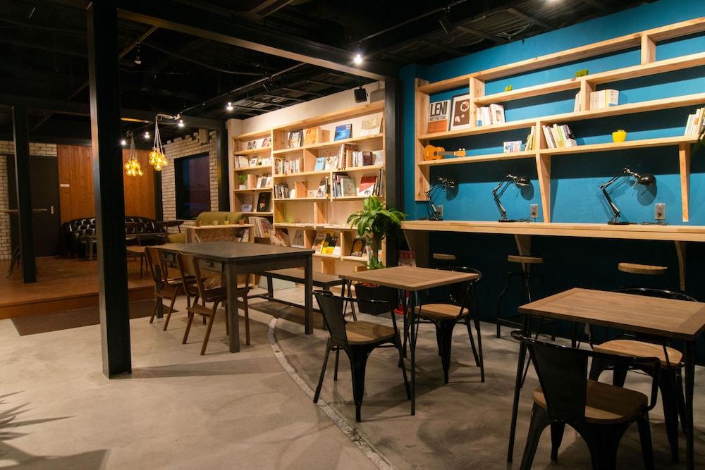 トナギ ホステル×カフェ