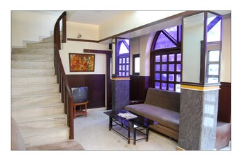 Hotel Raghav Palace - Interior Entrance  - #0