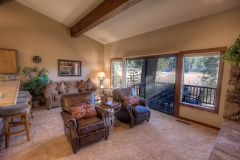 Gorgeous in the Prestigious Pinewild Gated Community 3 Br Condo
