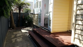 Holiday Homes on Grey St - Terrace/Patio  - #0