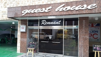 Remnant Guesthouse - Hostel - Featured Image  - #0