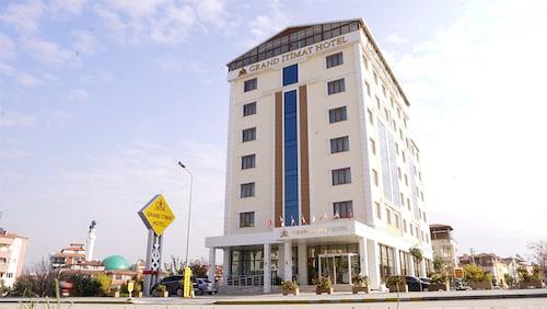 . Grand Itimat Hotel