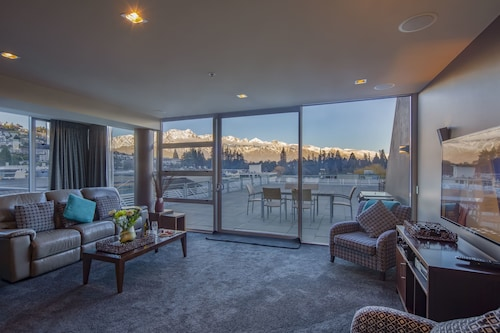 53 Shotover Apartment 302, Queenstown-Lakes